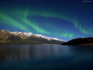 Postal: Aurora boreal sobre el lago Wakatipu (Nueva Zelanda)