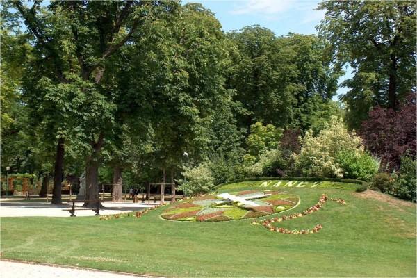 Arriate del reloj (Parc de la Pépinière, Nancy, Francia)