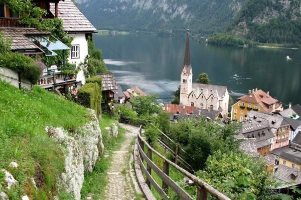 Lago Hallstätter See (en la localidad de Hallstatt, Austria)