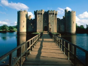 Postal: Entrada al Castillo de Bodiam (Inglaterra)