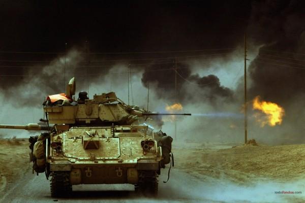 Tanque con lanzallamas
