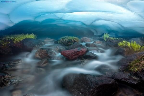 Agua fluyendo