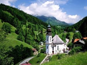 Preciosa campiña alemana en Baviera