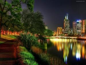 Reflejos de las luces de la ciudad