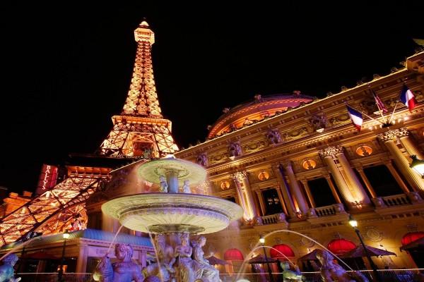 La Torre Eiffel vista desde la Ópera de París