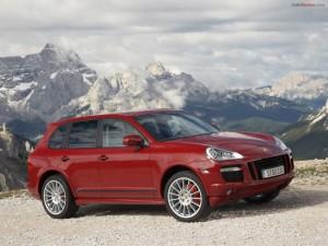 Postal: Porsche Cayenne GTS