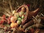 Cuerno de mimbre con frutas