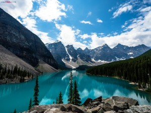 Lago Moraine, en el Parque Nacional Banff (Alberta, Canadá)