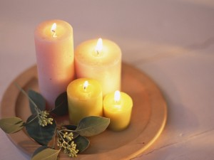 Postal: Cuatro velas encendidas