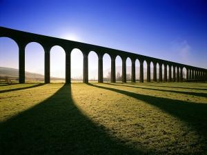 Postal: Viaducto de Glenfinnan, por donde pasa el Expreso de Hogwarts (Harry Potter)