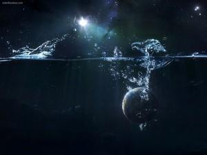 Un planeta cayendo al agua