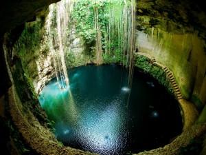 Postal: Cenote Ik Kil en Chichén Itzá, México