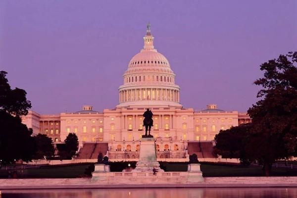 Capitolio de los Estados Unidos de noche