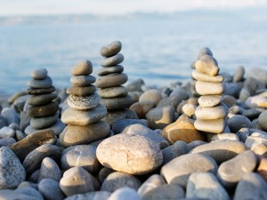 Postal: Montoncitos de piedras