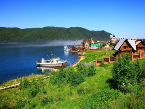 Localidad de Listvianka, junto al lago Baikal (Rusia)