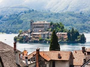 Postal: Isla de San Giulio en el Lago de Orta (Italia)