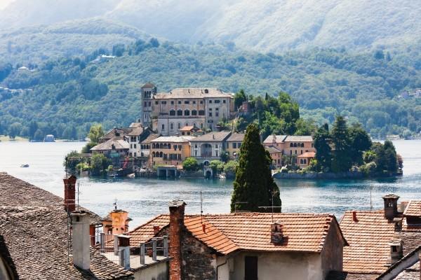 Isla de San Giulio en el Lago de Orta (Italia)