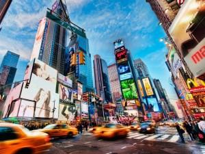 Times Square (Calle 42) en movimiento (Nueva York)