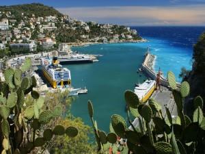 Puerto de mar en Niza, Francia