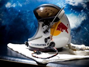 Postal: Casco de Felix Baumgartner para la misión Red Bull Stratos