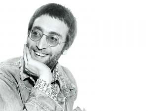 John Lennon sonriente