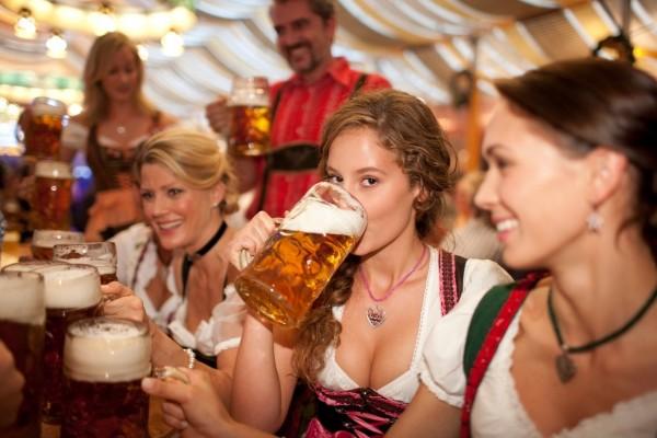 Chicas en el Oktoberfest