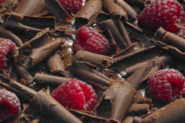 Frambuesas con virutas de chocolate