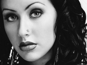 Christina Aguilera en blanco y negro