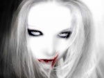Vampiresa con la boca sangrienta