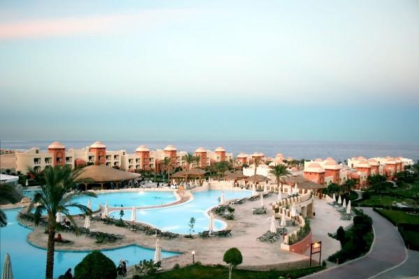 Hotel con grandes piscinas, en Egipto