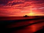 Anochecer rojizo en Balboa Pier (Newport Beach, California)