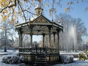 Postal: Quiosco de música en la nieve
