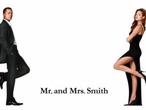 """Postal: Brad Pitt y Angelina Jolie en """"Sr. y Sra. Smith"""""""