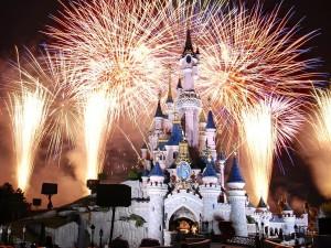 Fuegos artificiales en el castillo de Disney