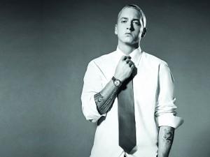 Postal: Eminem con corbata
