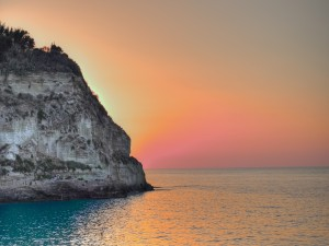 Puesta de sol en Tropea (Calabria, Italia)