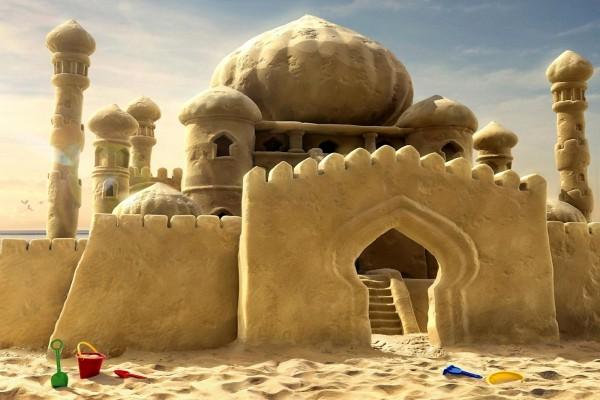 Un gran castillo de arena
