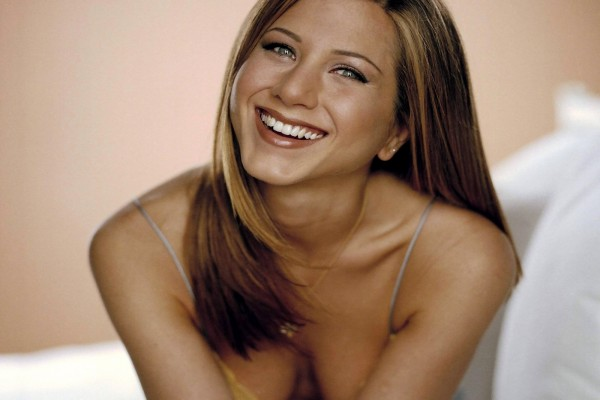 Jennifer Aniston sonriendo