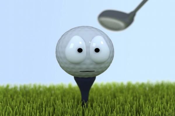 Pelota de golf esperando el golpe