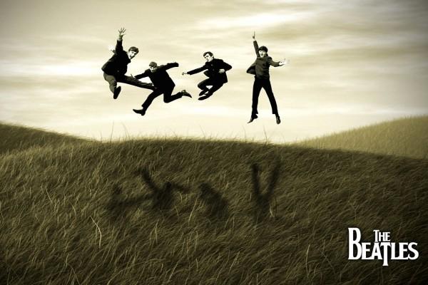 Los Beatles saltando