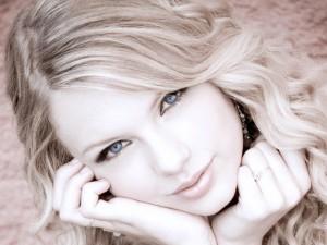 Ojazos de la cantante Taylor Swift