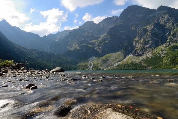 Morskie Oko, un lago en los Montes Tatras (Polonia)
