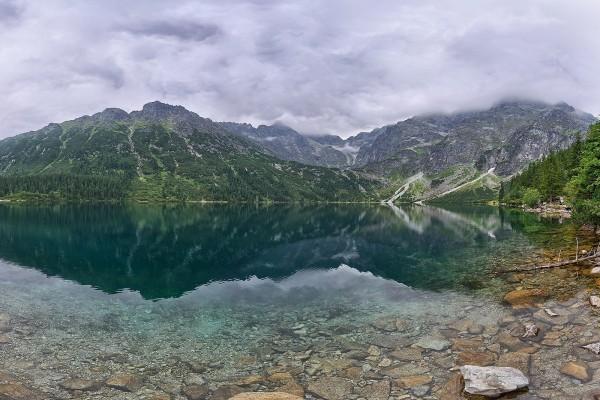 Morskie Oko (Montes Tatras, Polonia)