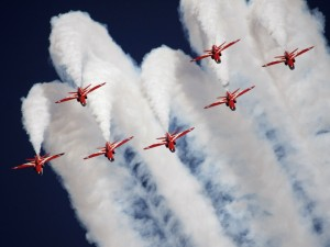 Postal: Los Red Arrows (Flechas rojas), Royal Air Force Aerobatic Team (Reino Unido)