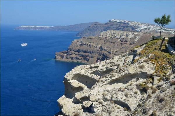 Acantilados en Santorini (Grecia)