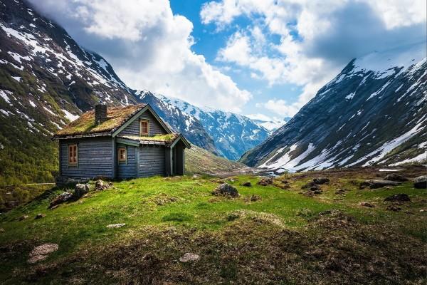 Una cabaña en las montañas noruegas