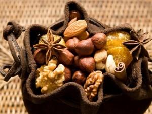 Postal: Bolsita con frutos secos