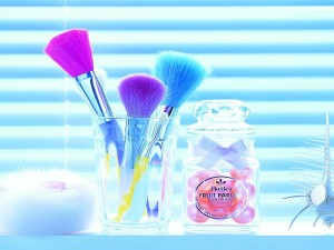 Postal: Accesorios de maquillaje