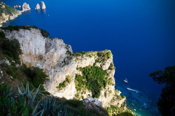 Desde la cima del Monte Solaro en Capri, Italia