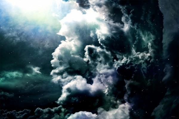 Un cielo estrellado con nubes negras